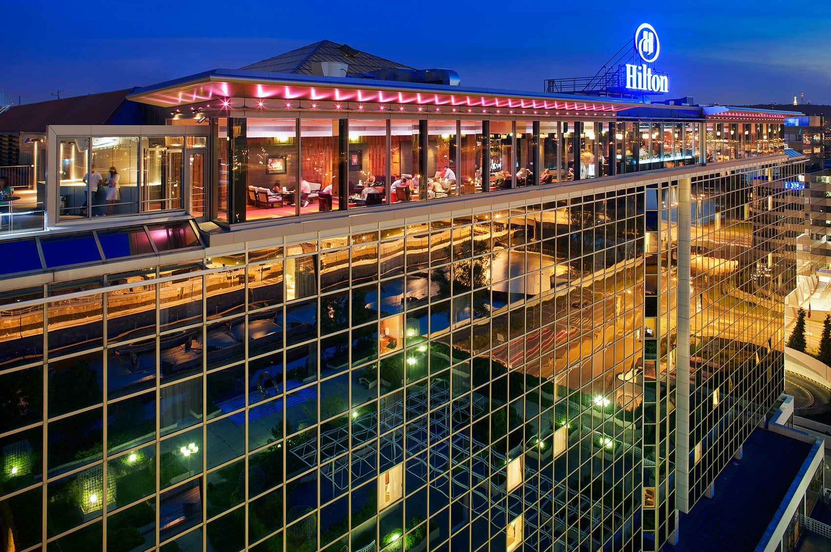 Hilton Cloud 9, Prague